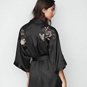Victoria's Secret Limited Edition Shanghai Kimono - new with tags